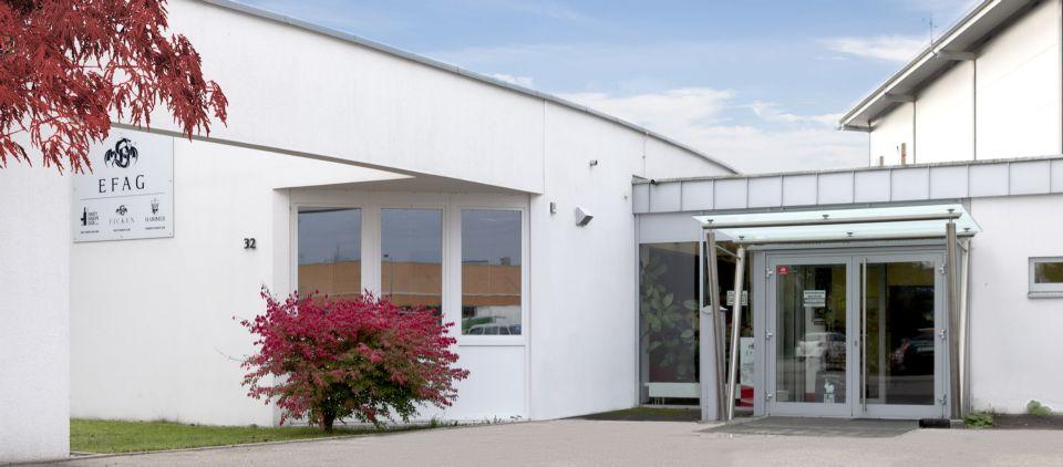 Die blütenweise Fasade der FICKEN Zentrale in Laupheim